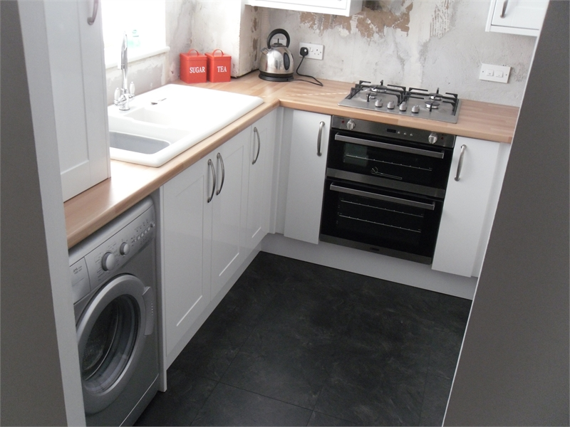 S o 39 neill electrical ltd fitted kitchen 1 gallery for Fitted kitchen quotes