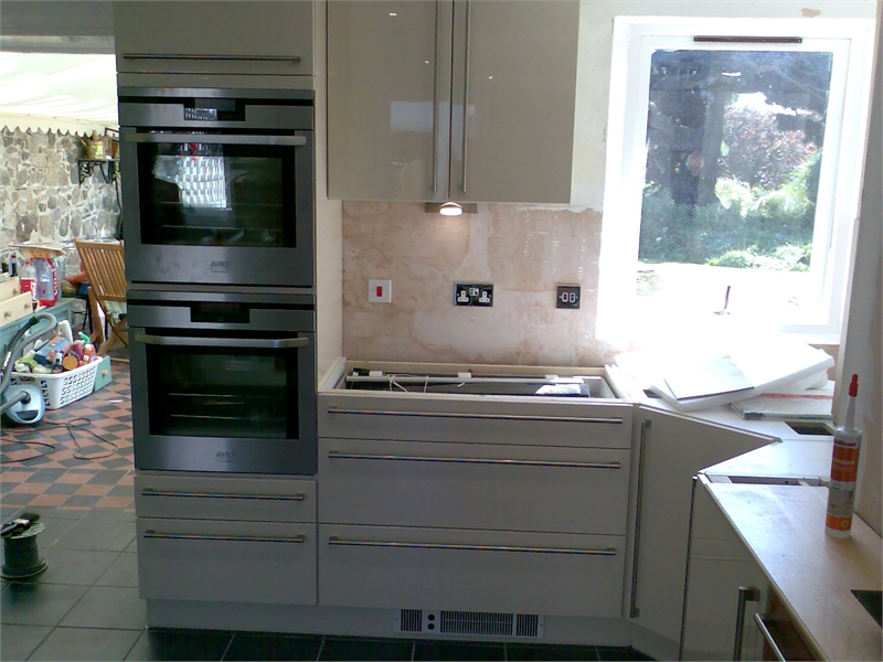 S o 39 neill electrical ltf fitted kitchen 2 gallery page for Fitted kitchen quotes